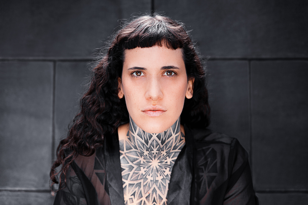 Berlin-based tattoo artist Julim Rosa by Yvonne Hartmann - Portrait Photography