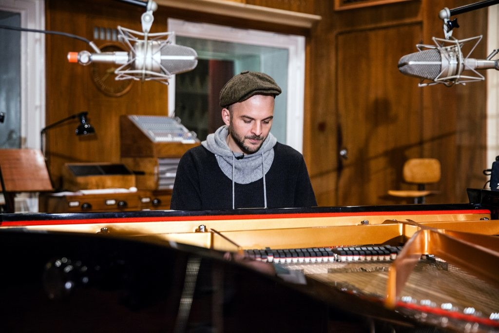 portrait of Nils Frahm by Yvonne Hartmann