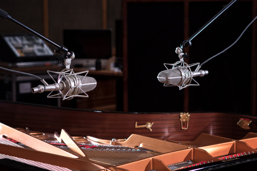 Yamaha CFX9 at Studio of Nils Frahm by Yvonne Hartmann for Native Instruments - product photography