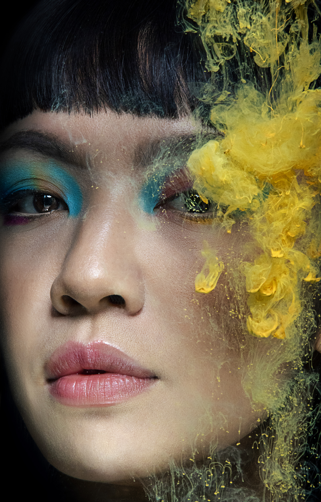Press shot of singer, songwriter and music producer Fifi Rong by Yvonne Hartmann